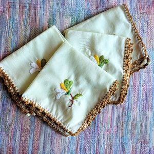 Vintage 4 matching hand embroidered handkerchiefs